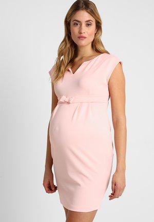 FERGIE  - Robe fourreau - pink