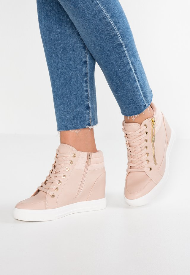 AELADDA - High-top trainers - light pink