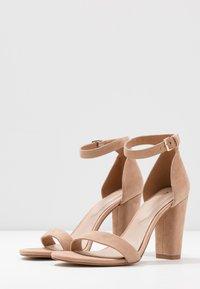ALDO - JERAYCLYA - Sandaler med høye hæler - camel - 4