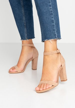 JERAYCLYA - High heeled sandals - camel