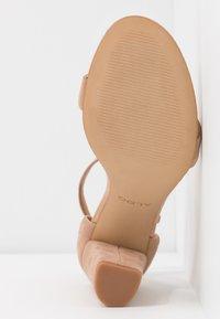 ALDO - JERAYCLYA - Sandaler med høye hæler - camel - 6