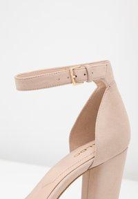 ALDO - JERAYCLYA - Sandaler med høye hæler - bone - 2