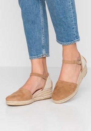 VEASEN - Sandály na platformě - light brown