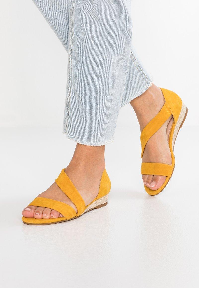 ALDO - MOEWEN - Wedge sandals - mustard