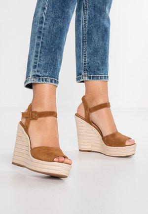 YBELANI - Højhælede sandaletter / Højhælede sandaler - light brown