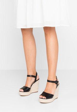 YBELANI - Korolliset sandaalit - black