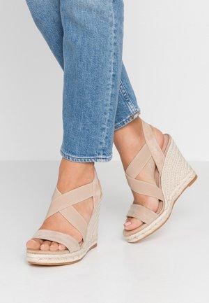 ARAUDIA - Korolliset sandaalit - natural