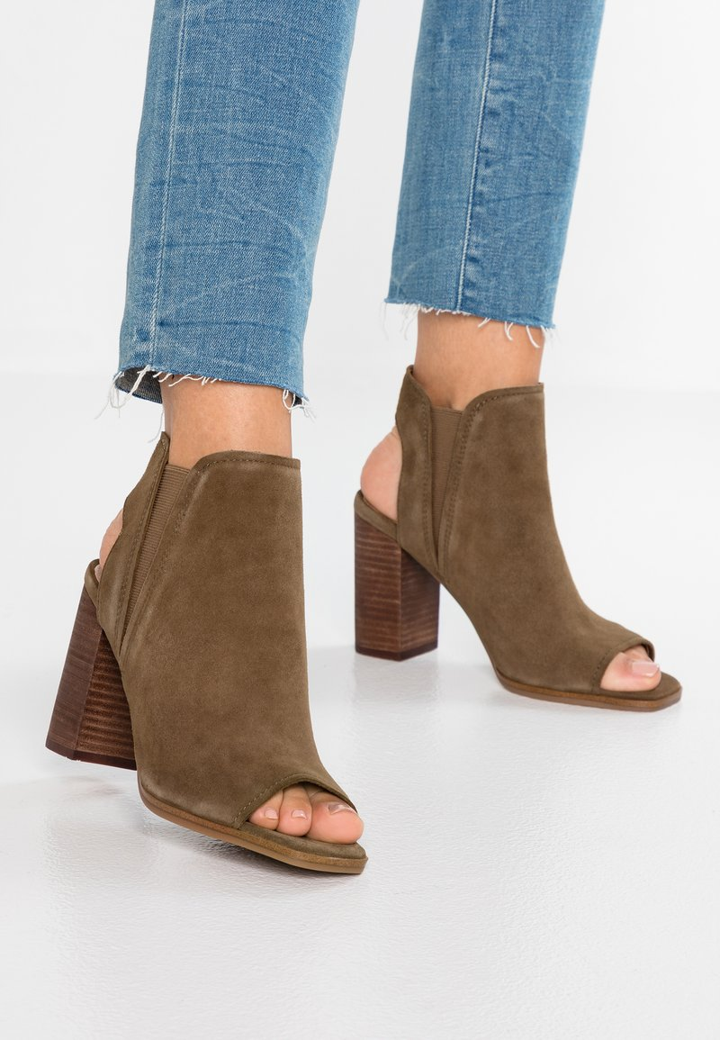 ALDO - SELALLA - Højhælede sandaletter / Højhælede sandaler - khaki