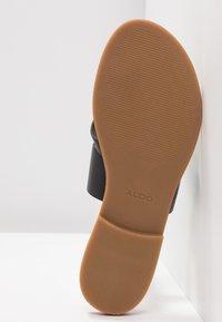 ALDO - CELODIA - Sandály s odděleným palcem - black - 6