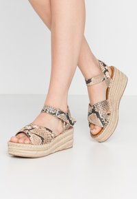 ALDO - TINEVIEL - Loafers - natural - 0