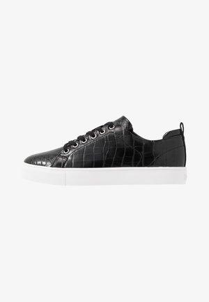 AMROTH - Sneaker low - black