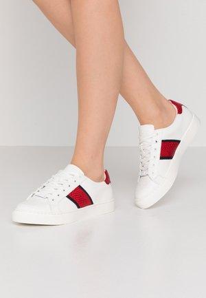 STRELLEY - Sneaker low - white