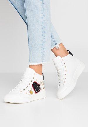 AFAIMA - Sneaker high - white