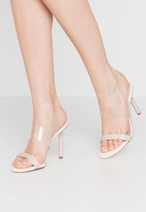 BALASTA - Pantofle na podpatku - white