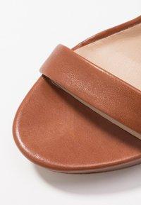 ALDO - MADDAD - Sandalen met hoge hak - cognac - 2