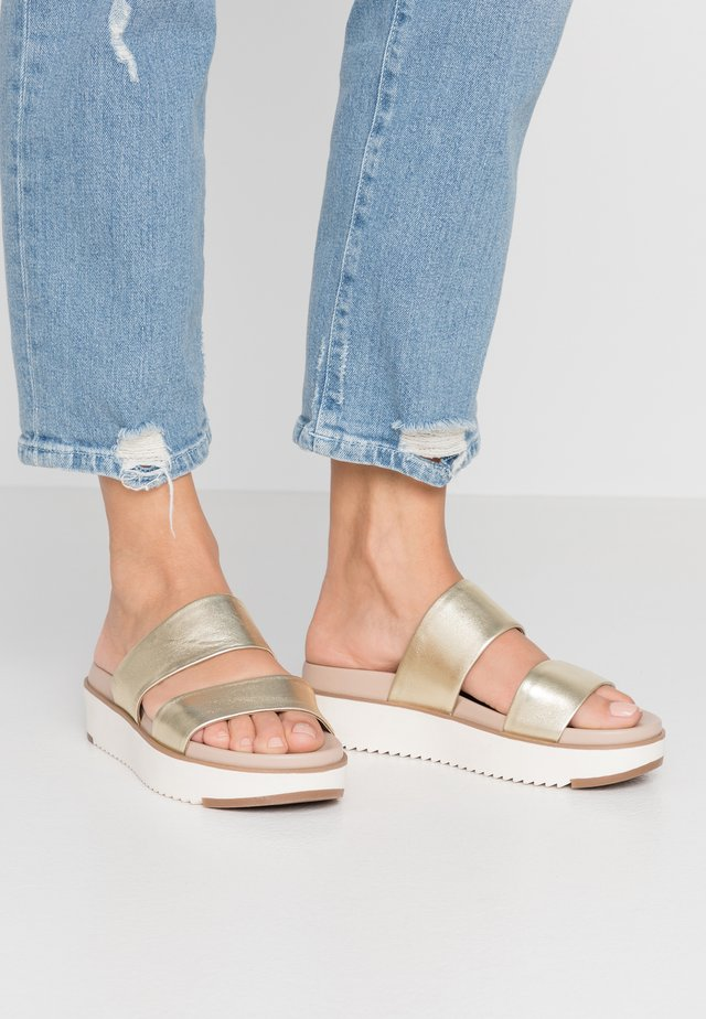 VICET - Mules - gold