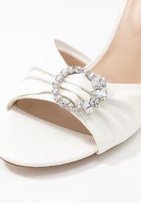 ALDO - ZAOSSA - High heeled sandals - white - 5