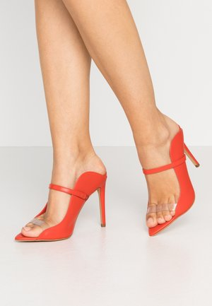 LISADELL - Heeled mules - red