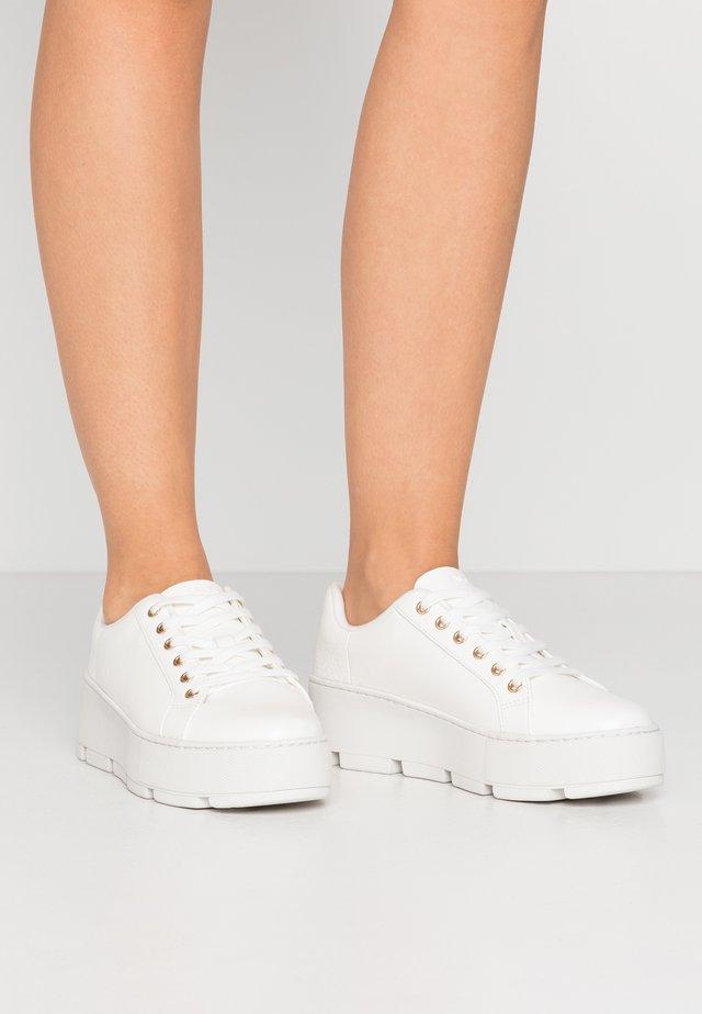 GLADESVILLE - Sneaker low - white