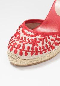 ALDO - MUSCHINO - Sandály na vysokém podpatku - red - 2