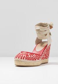 ALDO - MUSCHINO - Sandály na vysokém podpatku - red - 4