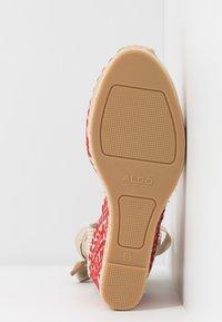 ALDO - MUSCHINO - Sandály na vysokém podpatku - red - 6