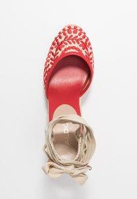 ALDO - MUSCHINO - Sandály na vysokém podpatku - red - 3