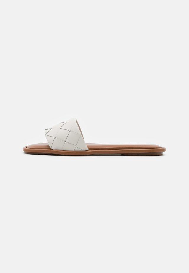 VAYDDA - Mules - white