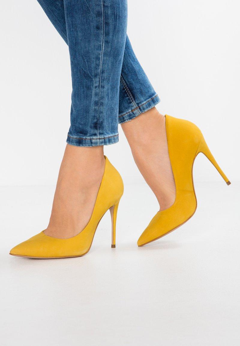 ALDO - CASSEDY - Escarpins à talons hauts - light yellow