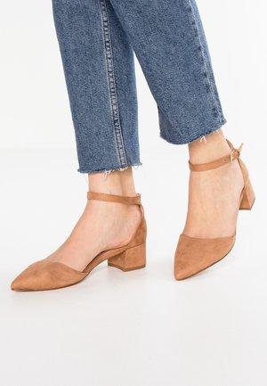 ZULIAN - Classic heels - natural