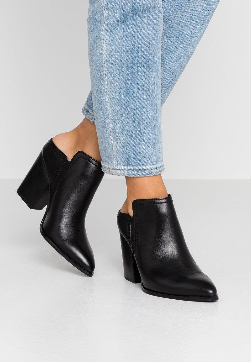 ALDO - THOREWIA - Pantofle na podpatku - black