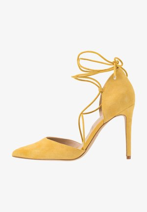 FINSBURY - Højhælede pumps - bright yellow