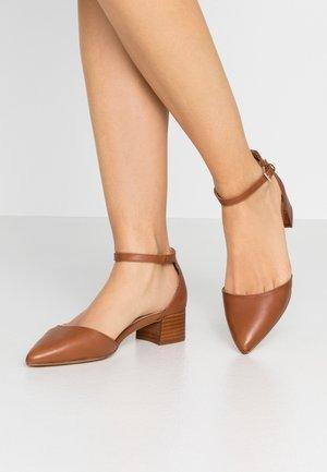 ZULIAND - Tacones - medium brown