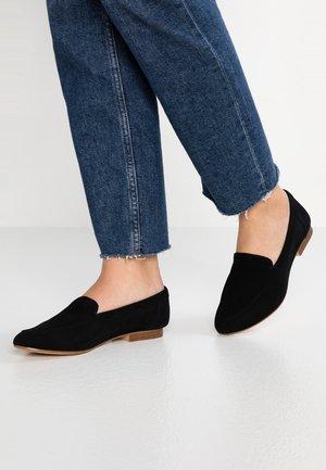 JOEYA - Nazouvací boty - black