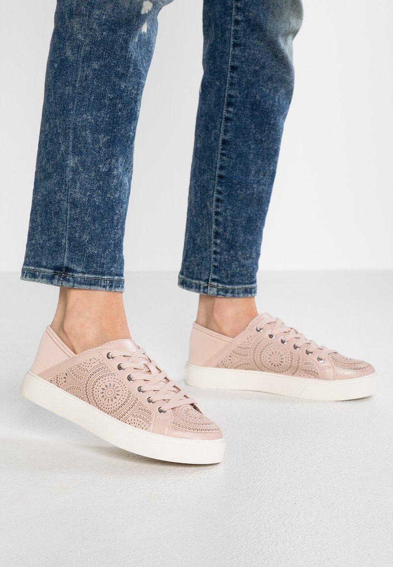 ALDO - STEPANIE - Sneaker low - pink