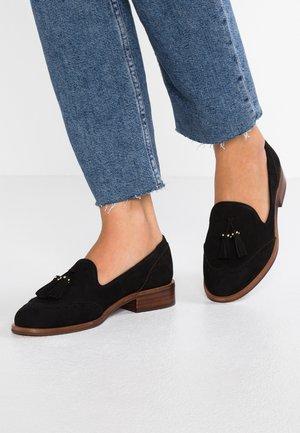 AFERINNA - Nazouvací boty - black