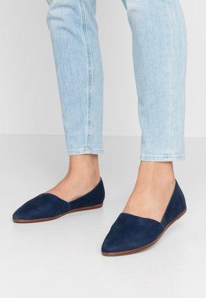 BLANCHETTE - Slippers - dark blue