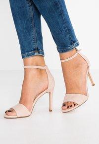 ALDO - FIOLLA - Sandály na vysokém podpatku - creme - 0
