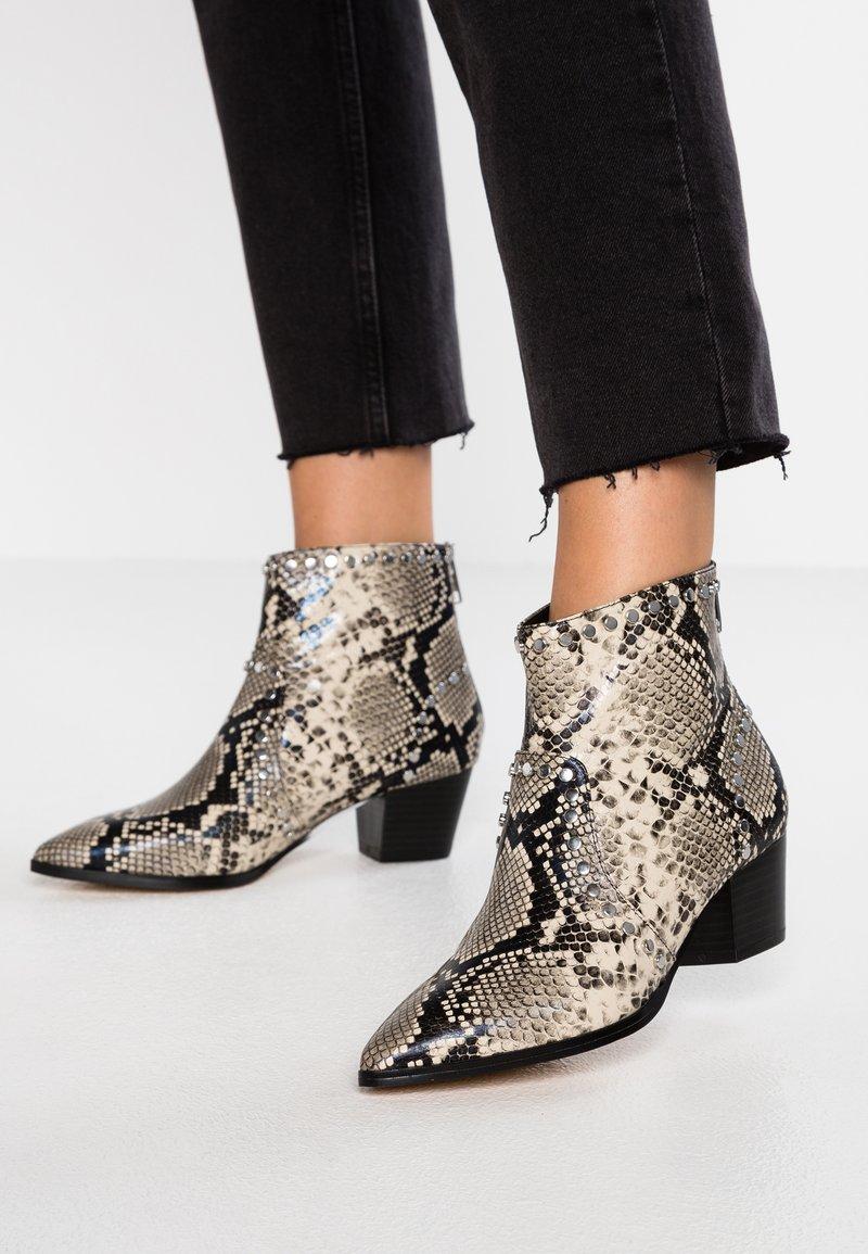 ALDO - ALERAMA - Boots à talons - natural