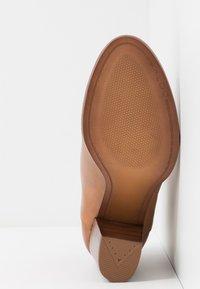 ALDO - LALITH - Kotníková obuv - cognac - 6