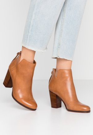 LALITH - Ankle boots - cognac