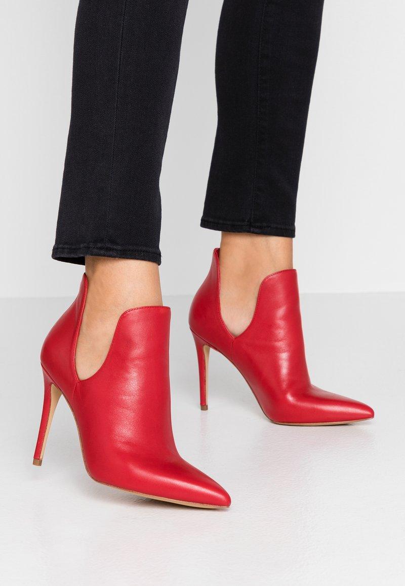 ALDO - AMILMATHIEN - High Heel Stiefelette - red