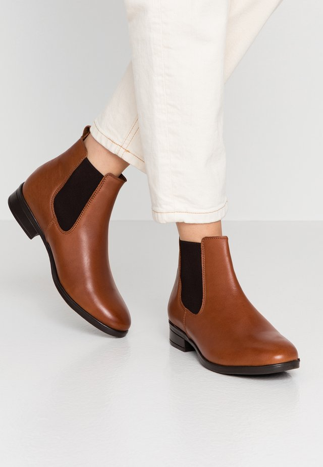 WICOENI - Ankle Boot - cognac