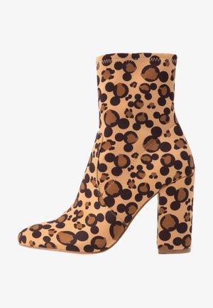 STEPINMAGIC DISNEY - High Heel Stiefelette - brown print