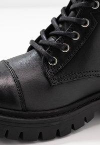 ALDO - ADRIAMA - Botines con cordones - black - 2