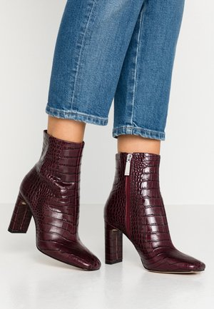 TORFIVIEL - High heeled ankle boots - bordo