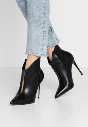 LUGENSA - Kotníková obuv na vysokém podpatku - black