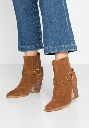 BRENDS - Bottines à talons hauts - cognac