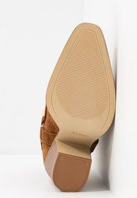 ALDO - BRENDS - Højhælede støvletter - cognac - 6