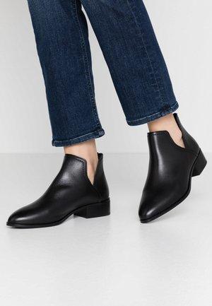 KAICIA - Kotníková obuv - black